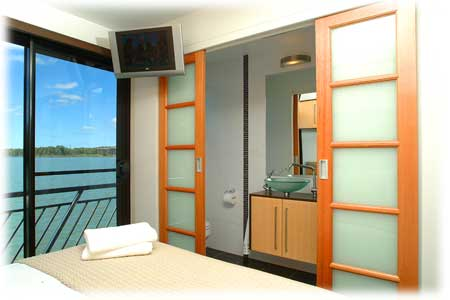 Whitewater Houseboat Bedroom