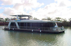 Daydreamer Houseboat on the Murray River