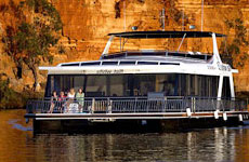 White Houseboats River Murray